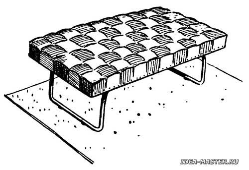 Полумягкая скамейка из металла